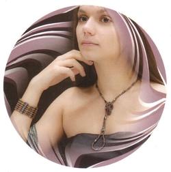 как правильно носить бусы из гематита - на шее в виде ожерелья и на руке как браслет